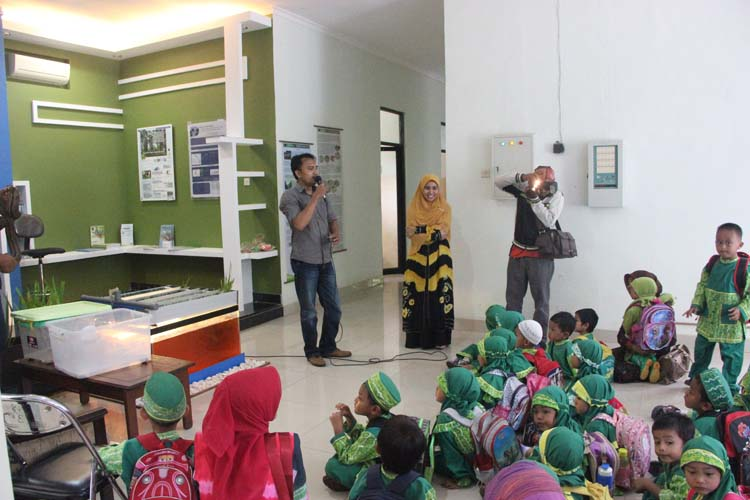 Belajar Hutan sejak Dini bersama BPK Banjarbaru