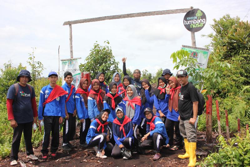 RePeat : belajar mencintai dan sukarela merehabilitasi hutan rawa gambut