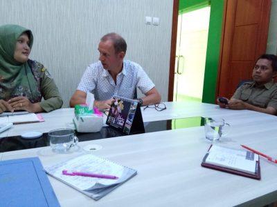 Guru Besar  dari  Van Hall Larenstein University Belanda  Berkunjung ke BP2LHK Banjarbaru